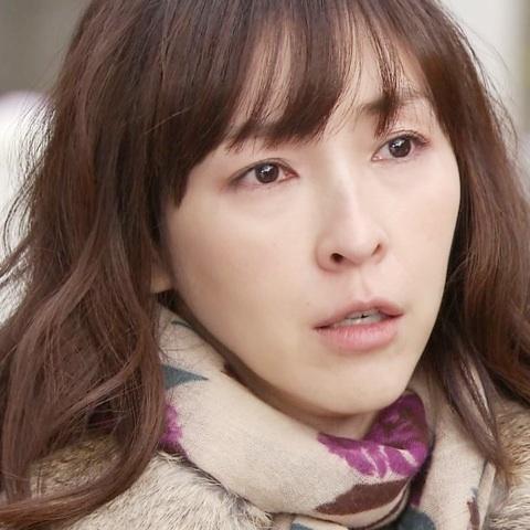 麻生久美子のアップ画像